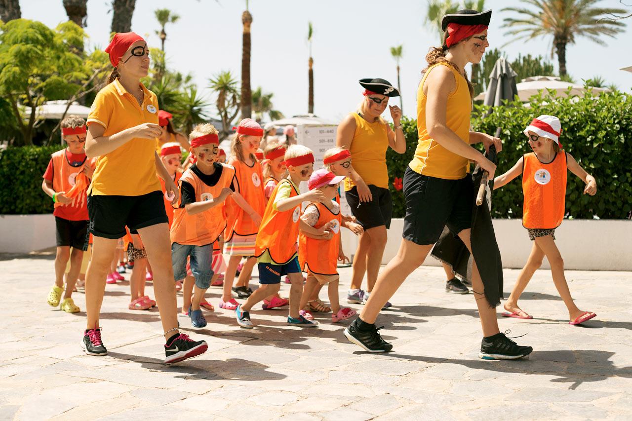 Sunwing Sandy Bay Beach - Våre dyktige aktivitetsverter passer på at ingen barn kjeder seg i ferien.