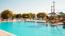 Kalloni Bay Hotel er et av Vings nøye utvalgte hotell.